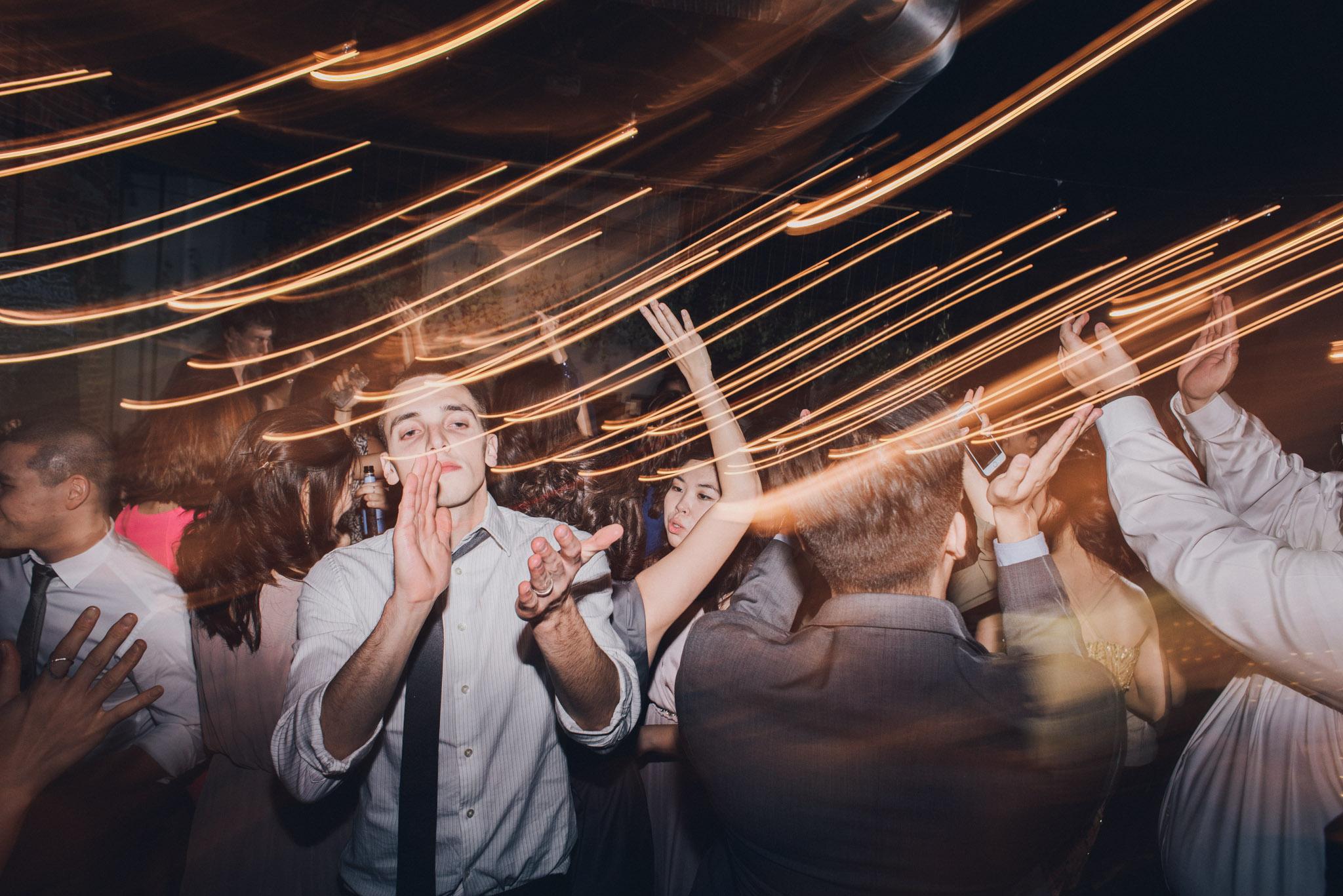 wedding dj dancing columbus ohio clapping